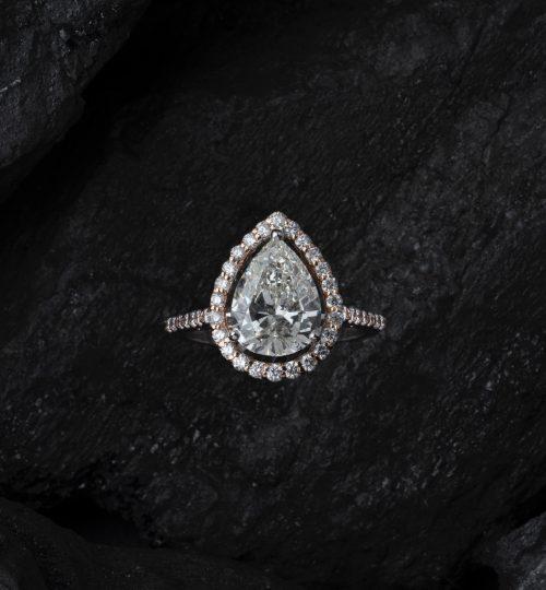 accessory-close-up-diamond-2735981